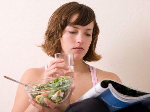 Ivás evés közben
