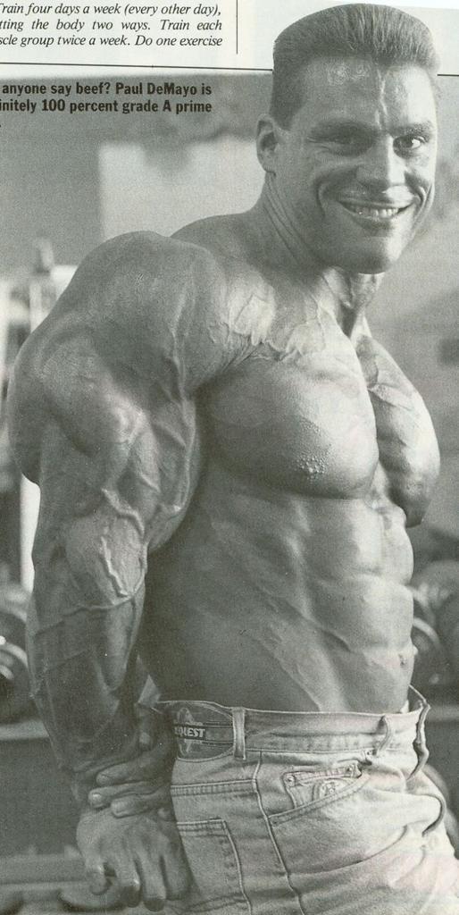 Tricepsz, Paul De Mayo