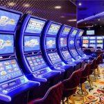 Itt a kormány válasza: ezért lehetnek nyitva a kaszinók az edzőtermek helyett