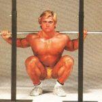 Tom Platz guggolása: 23 ismétlés 238 kilóba