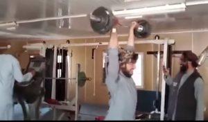 Tálibok edzőteremben